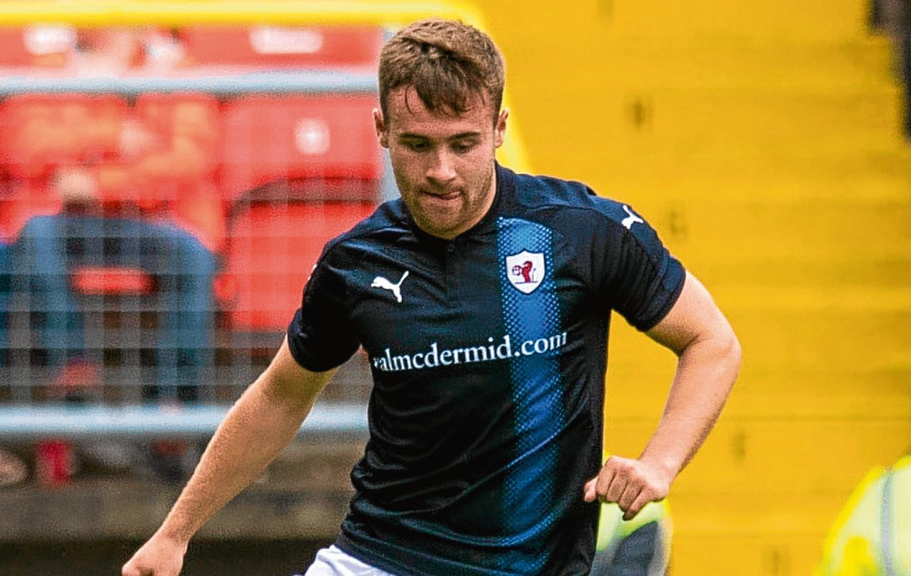 Lewis Vaughan in action for Raith Rovers.