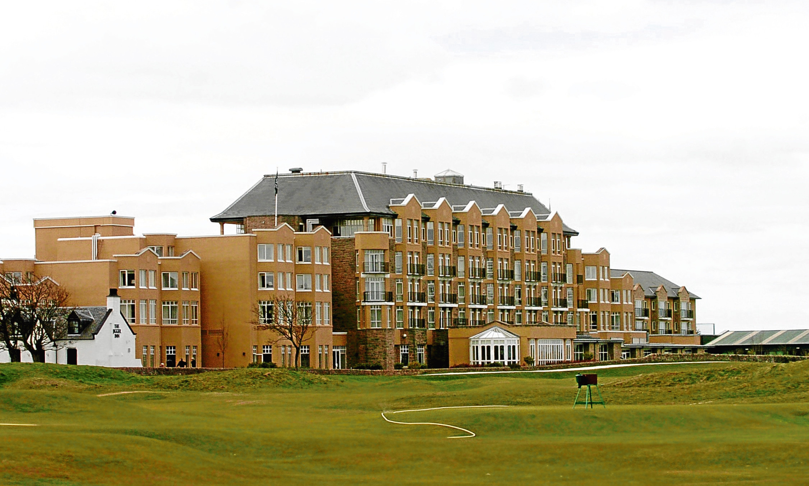 Prince William and Catherine visit St Andrews and stay at ...
