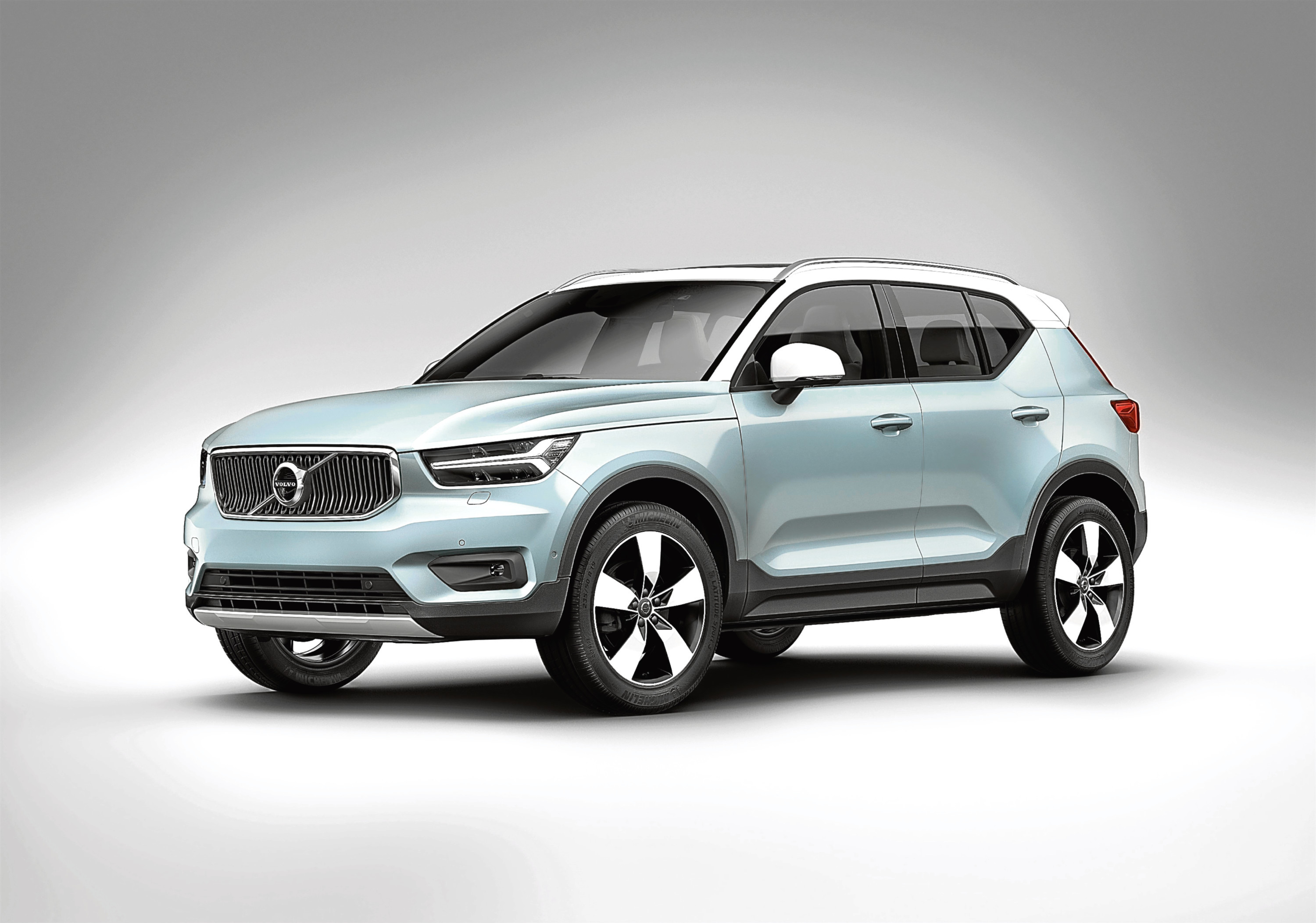 volvo releases premium xc40 compact suv across uk the courier. Black Bedroom Furniture Sets. Home Design Ideas