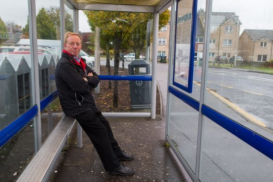 Councillor Willie Robertson has asked council finance officers to budget for electronic bus stop signs, keeping passengers up-to-date with bus journeys.