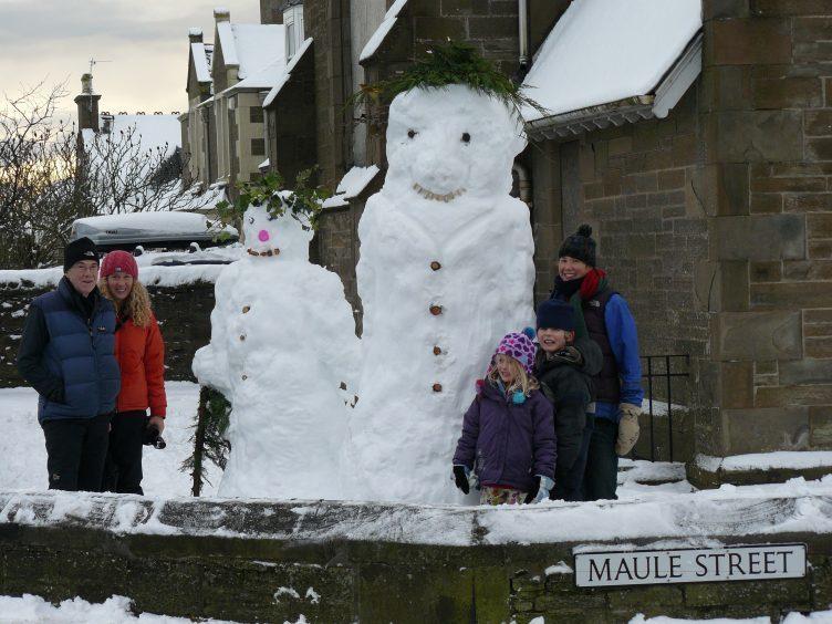 Snowmen in Carnoustie, December 2009.