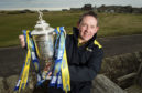 Billy Dodds with the William Hill Scottish Cup.