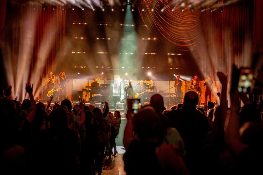 Courier News - Dundee - Melanie Webb - CR0000714 - Gary Barlow plays Caird Hall - Dundee - Picture Shows: Gary Barlow performs at Caird Hall - Friday 20th April 2018