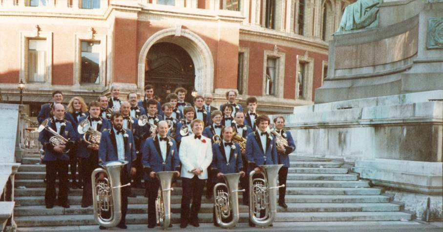 Tullis Band on the steps of the Albert Hall early 90s with Jimmy Miller conductor