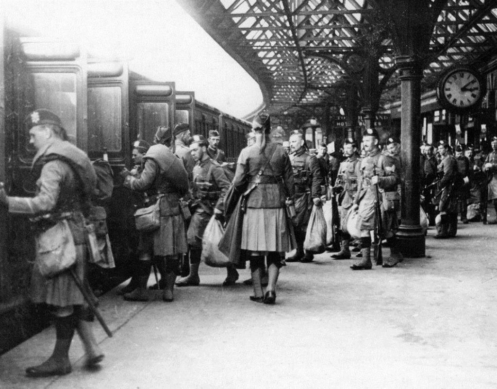 Black Watch soldiers heading off during the First World War