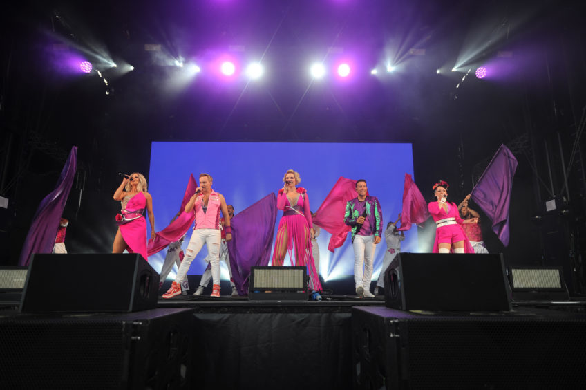 Steps perform at Slessor Gardens.