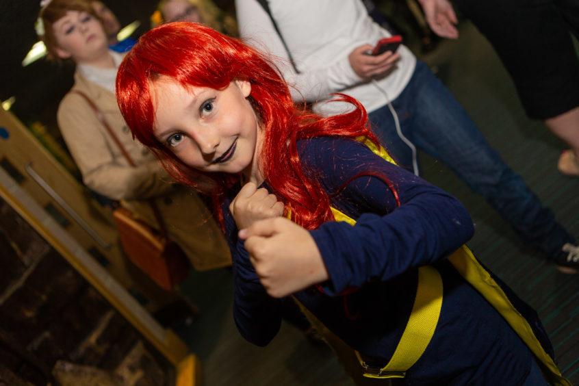 Sakura Bryant as Bat Girl