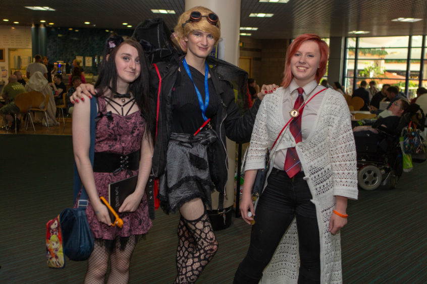 Nikita, Alectra and Jay are Misa, Steampunk Tinkerbell and Hermione Granger