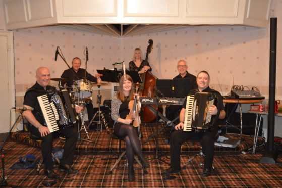 The Steven Carcary Band - Steven Carcary, Gillian Ramsay, Graham Bell, Bill Ewan,, Suzanne Croy and  Malcolm Ross
