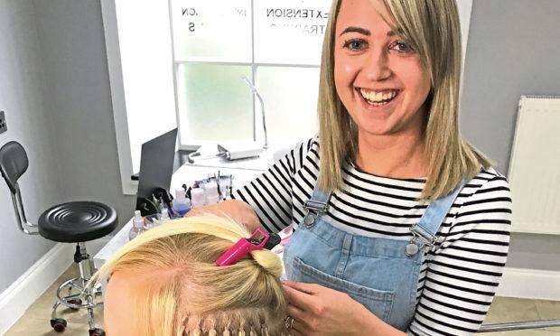 The hook up hair salon