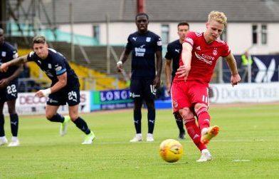 Gary Mackay-Steven scores from the spot for Aberdeen.