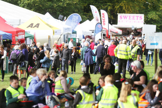 Dundee Flower and Food Festival crowds look like being treated to decent weather this year.