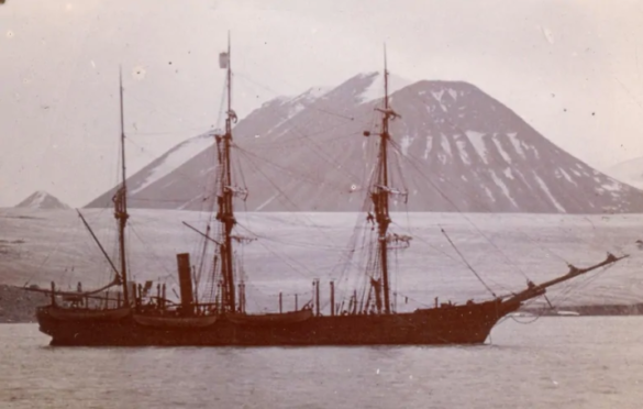 One of the few images of the Nova Zembla, taken in the Canadian Arctic.