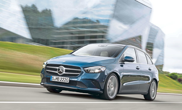 Mercedes-Benz B-Klasse, denimblau // Mercedes-Benz B-Class, denim blue