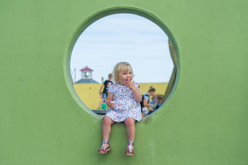 Madelyn Holgate enjoyed her birthday and some candyfloss at the playpark, West Sands, Arbroath. Kim Cessford/DCT Media