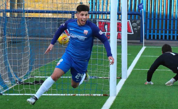 Lewis Milne scoring for Montrose.
