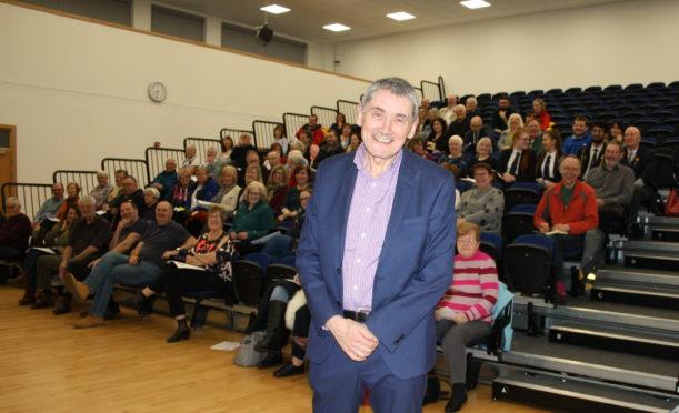 Sir Harry Burns addresses Kirkcaldy Foodbank AGM