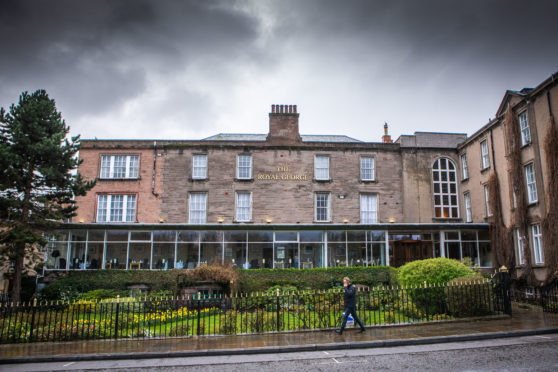 The Royal George Hotel.