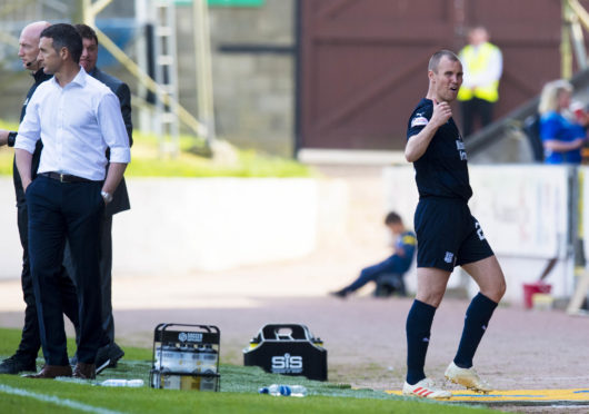 Jim McIntyre and an unhappy Kenny Miller.