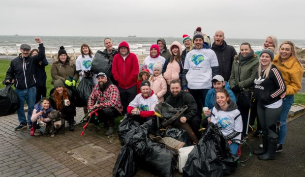 Revolution Barbershop Beach Clean litter pickers at Kirkcaldy