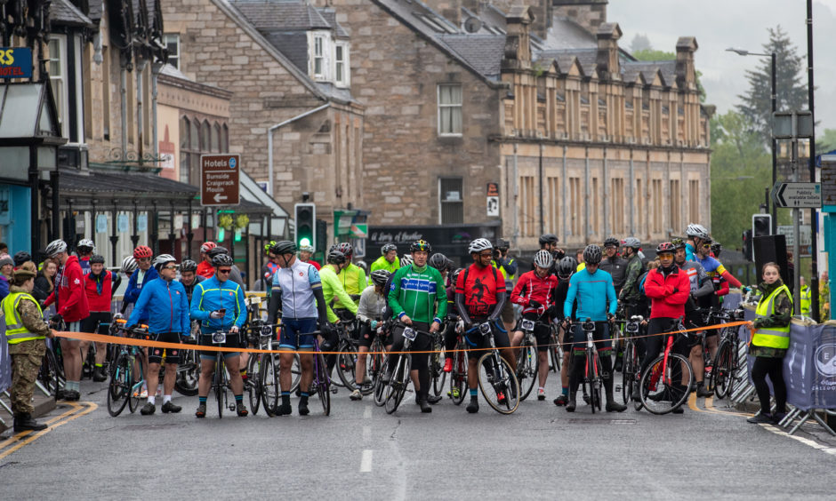 Hundreds of cyclists wait eagerly for Etape Caledonia to begin.