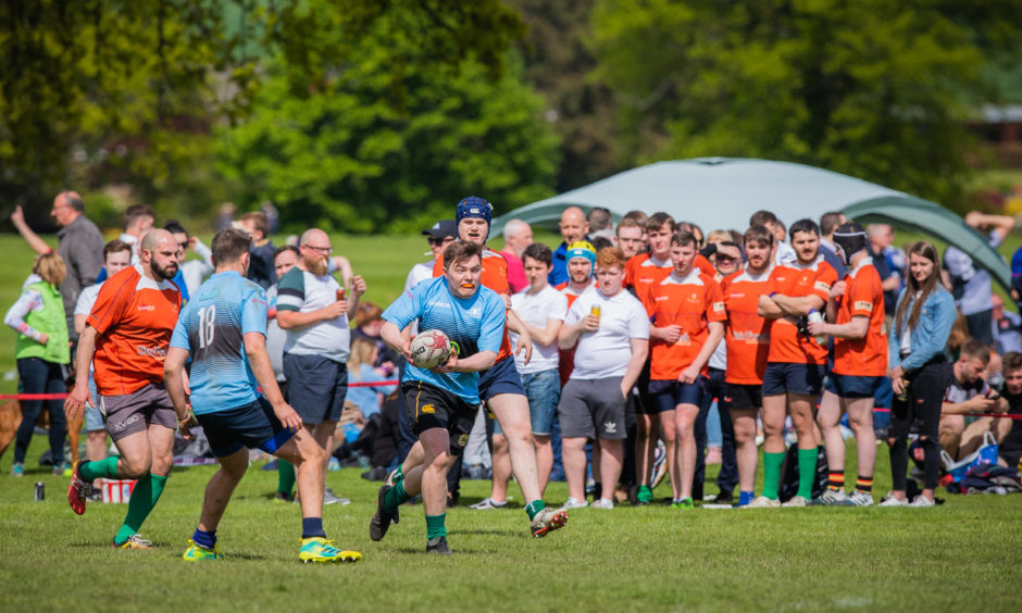 LFEA RFC (from Edinburgh, light blue) vs Montrose Rugby team (orange/red).
