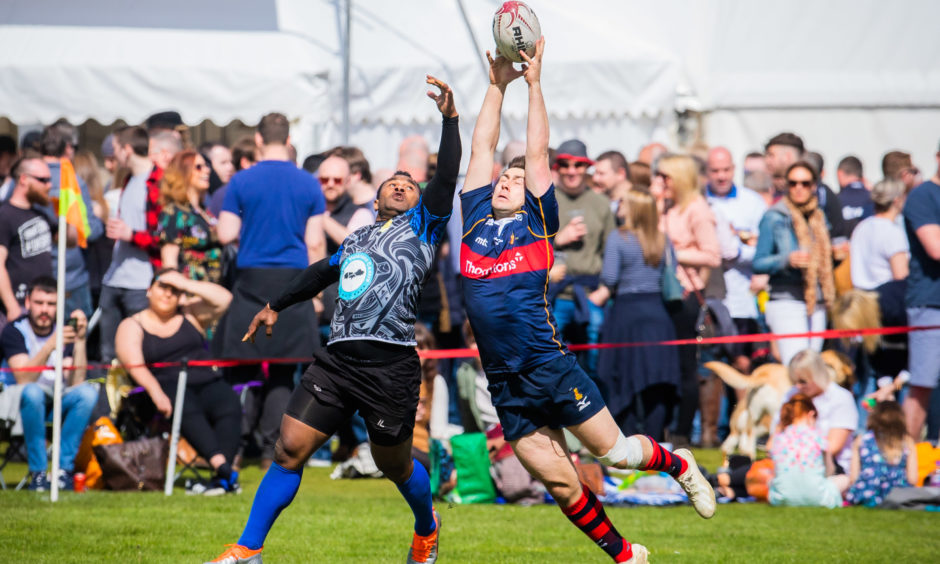 The Fijian select team Kaviti Babas (left) vs Abertay University team (right).