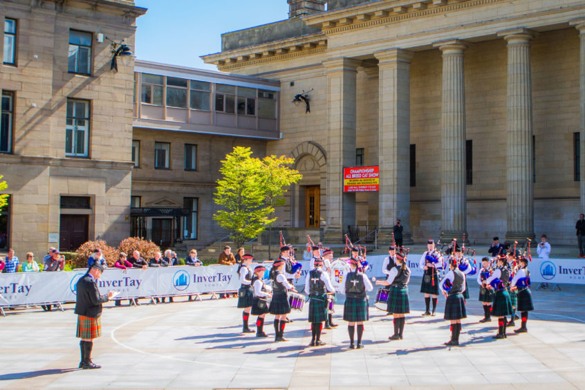In total there were 20 pipe bands of all ages, including school bands. High School of Dundee Pipe Band.