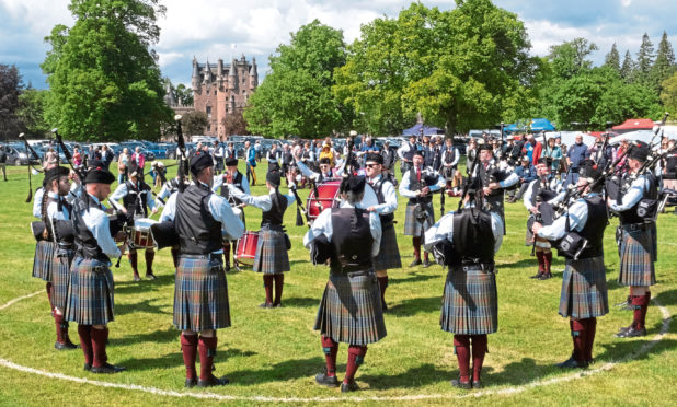 Stockbridge Pipe Band performing.