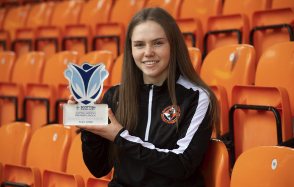 Dundee United's Neve Guthrie with her award.