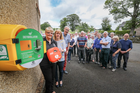 CPR and AED training was delivered to locals at the Fowlis Easter event.