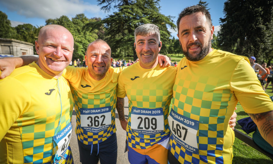 'Team Kirkton' runners at the start at Camperdown Park, Dundee.