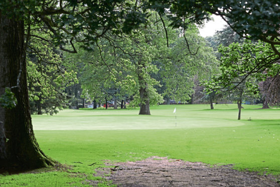 Courier News - Dundee story - Camperdown Golf Course.