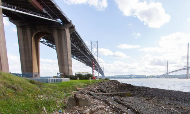 An oil spill on the Fife coast by the Forth Road Bridge and Queensferry Crossing is being probed.