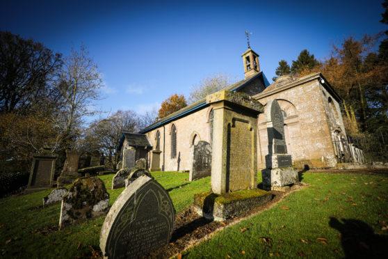 Lundie Church