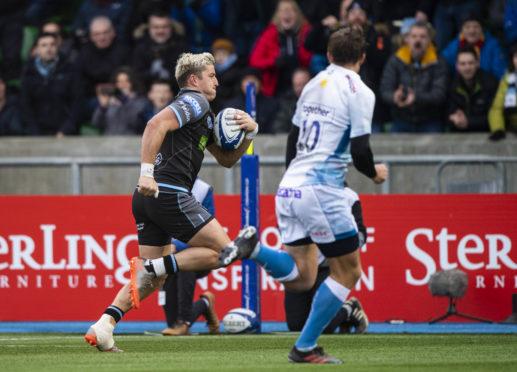 DTH Van Der Merwe motors in for Glasgow's first half try against Sale.